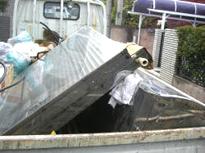 屋根から撤去した太陽光発電ソーラー